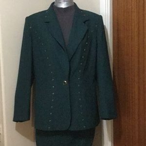 Beautiful green skirt and blazer suit (12)